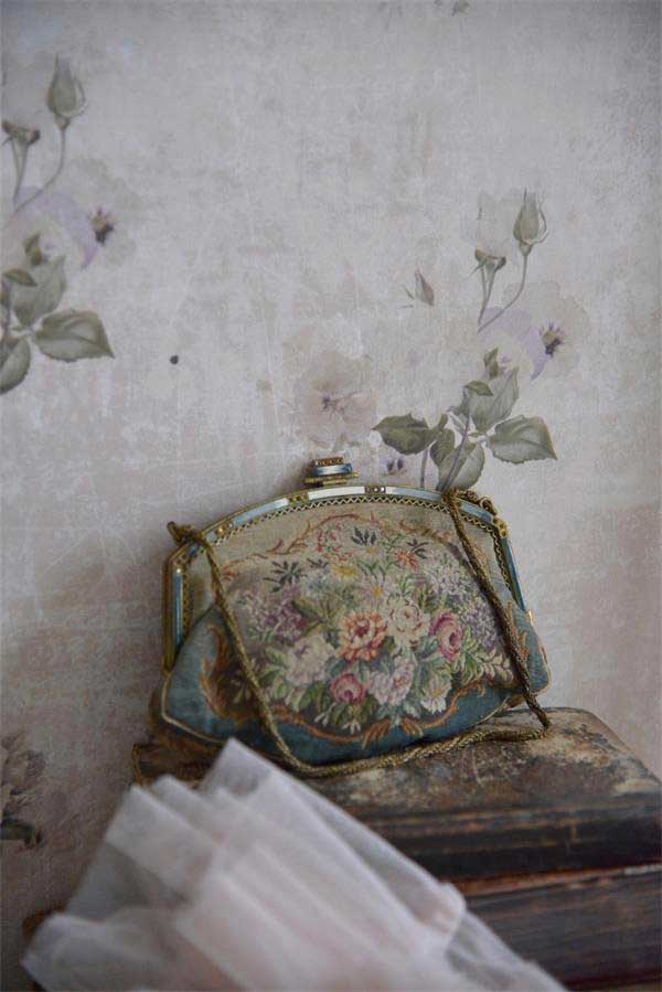 "Carta da Parati ""Flowers"" Vintage Paint"